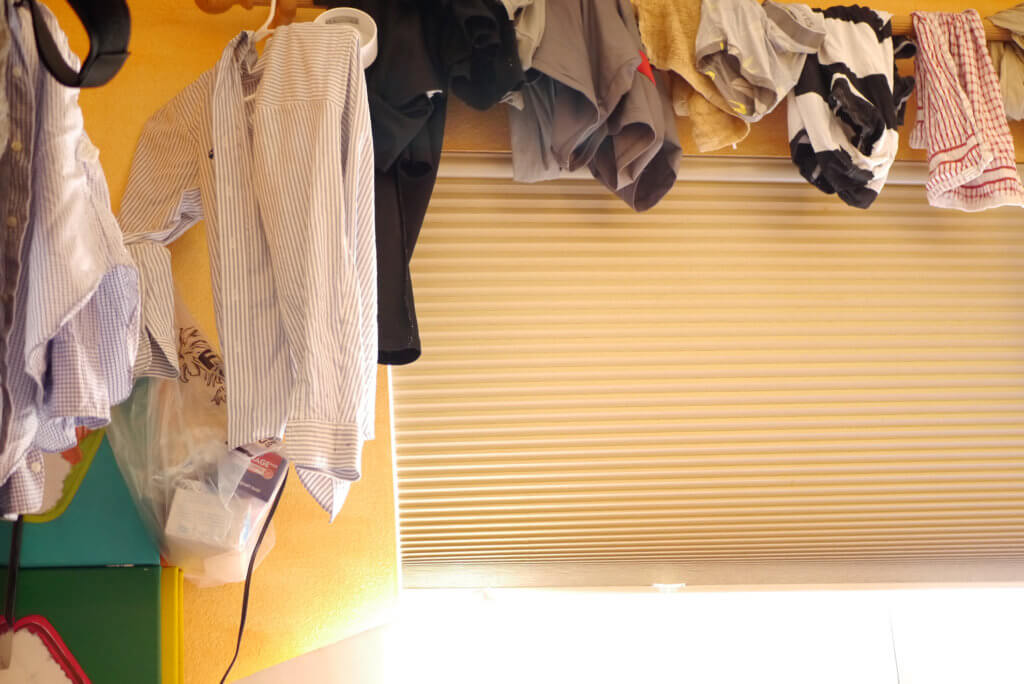 Hang clothes in my room