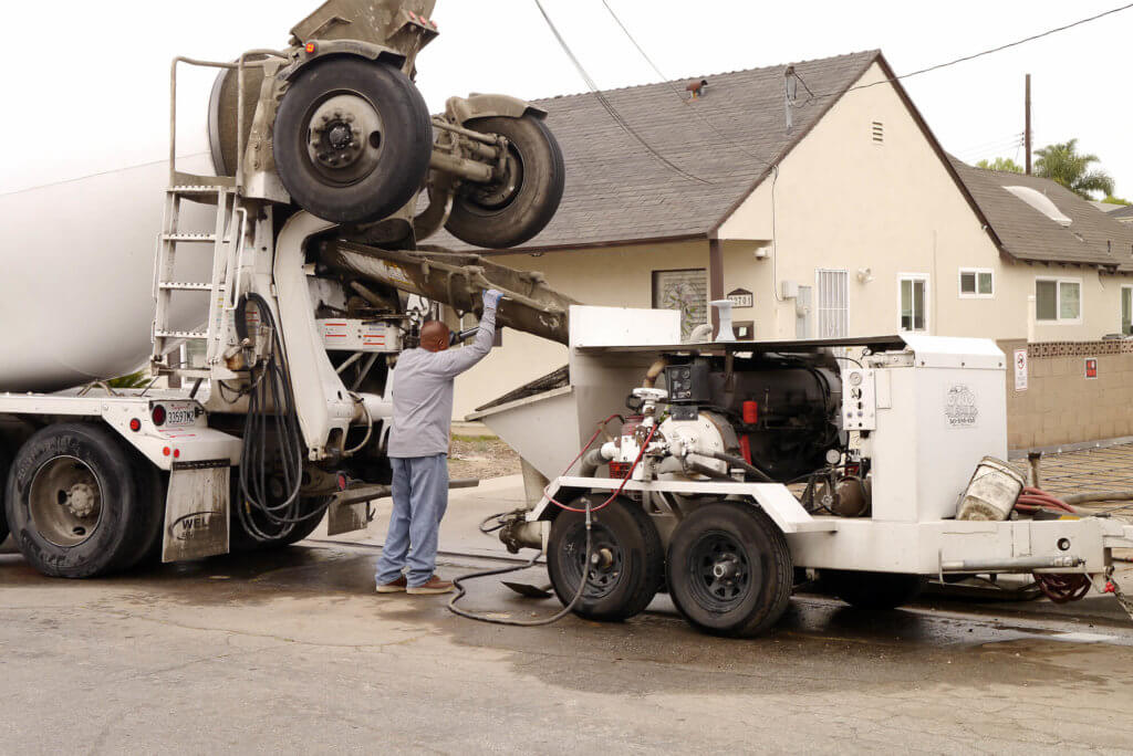 0603_tank-truck-and-working-man-in-torrance_2020